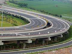 2 Killed In An Accident On Yamuna Expressway