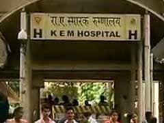 Over 4,000 Doctors Begin Indefinite Strike in Maharashtra