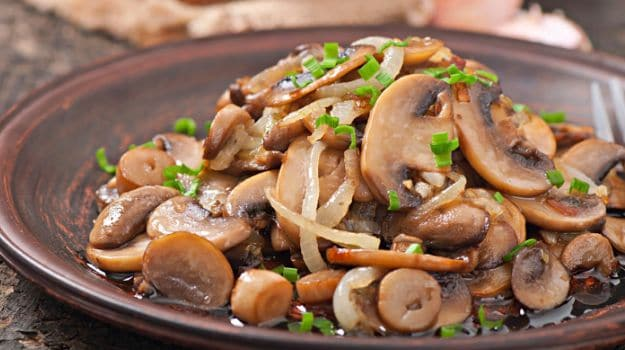 Kombu Barthad (Mushroom Chilly Fry)