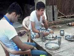 प्रियंका गांधी वाड्रा के बेटे रेहान के अमेठी दौरे से अटकलबाजी शुरू