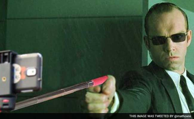 what if agent smith had a selfie stick instead of a gun in the matrix. Black Bedroom Furniture Sets. Home Design Ideas