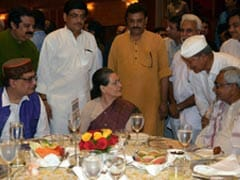 Opposition Stands Together at Sonia Gandhi's Iftar Party, But Mulayam Stays Away