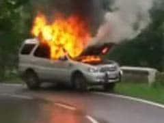 SUV Catches Fire in Hills, Passengers Unhurt, Traffic Jam