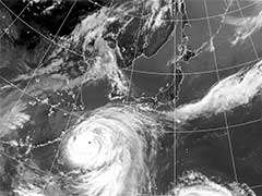 'Super Typhoon' Dujuan Nears Taiwan