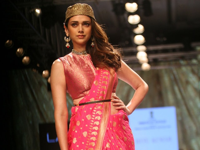 Aditi rao hydari i prefer indian designers over for Aditi indian cuisine