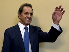 Daniel Scioli Leads Argentina Vote But May Face Runoff
