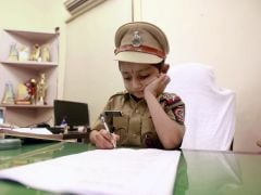5-Year-Old Cancer Patient Gets to be Police Officer For a Day
