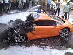 Rs 2.5 Crore Lamborghini Gallardo Seen on Fire in Delhi