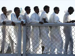 Migrants Scuffle With Police in Italian City, Denounce Conditions