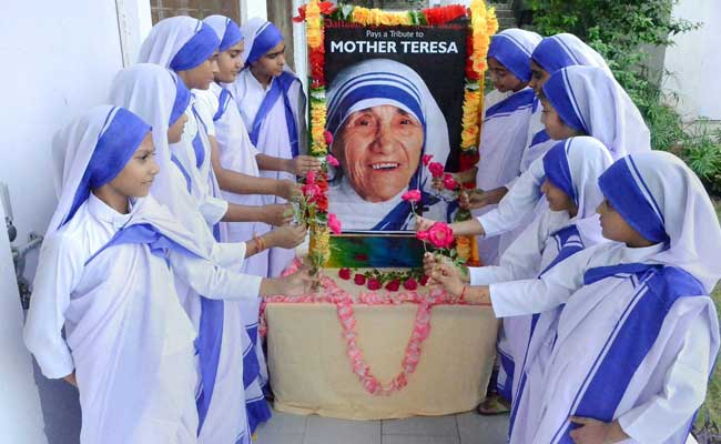 All Indians Will Take Pride in Mother Teresa's Canonisation: President Pranab Mukherjee