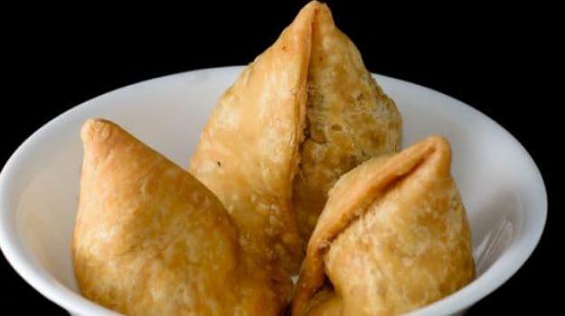 Gujarati samosa