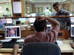 Sensex Trades Sharply Lower; IT Stocks Drag