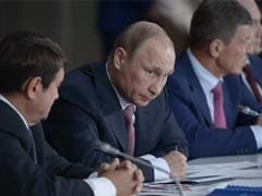Vladimir Putin Slams 'External Control' Over Ukraine on Crimea Visit
