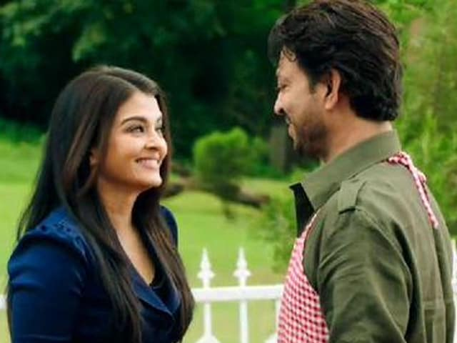 Irrfan Khan is Hopelessly Devoted to Aishwarya in New Jazbaa Song