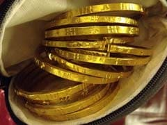 Gold Rises by Rs 120 on Global Cues