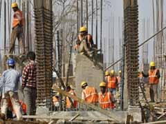 Experts On Q4 GDP: 'Momentum Building Up Faster Than Anticipated'