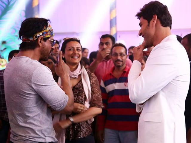 How shah rukh khan and mahesh babu made it a super starry saturday