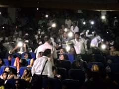 For Nana Patekar, a Roomful of Cellphones Turned Into Torches