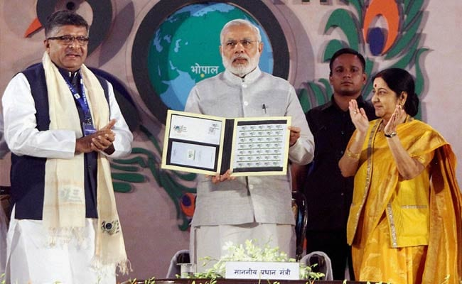 Hindi Will Be at Top in Digital World, Says PM Modi