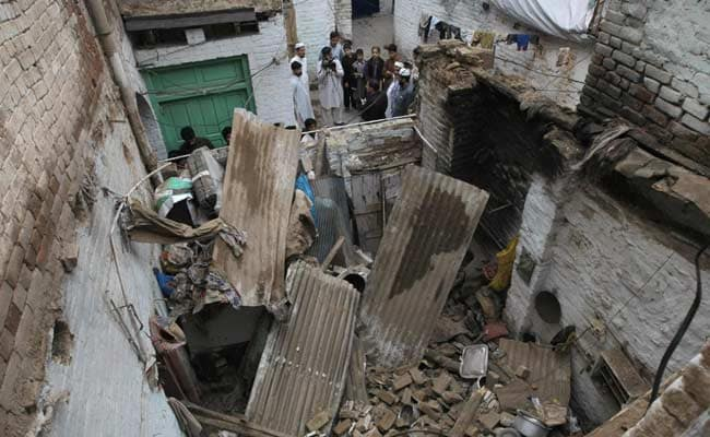 earthquake in pakistan More than 260 people are reported killed after a major earthquake hits north-east afghanistan and pakistan, with many more injured.