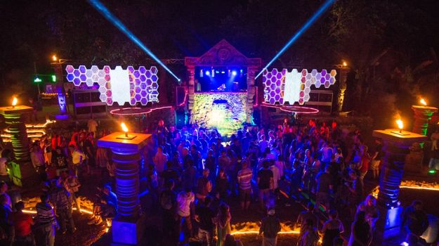 Nightlife In Goa 5 Clubs You Have To Visit In Indias
