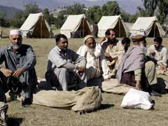 Pakistan Earthquake Survivors Help Themselves in Race Against Winter