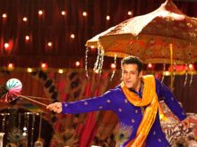 Salman Khan's Prem Leela in First Prem Ratan Dhan Payo Song