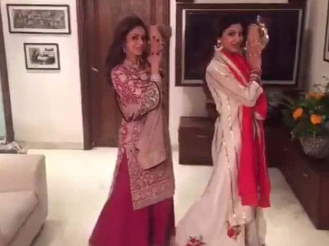 Karva Chauth Blockbuster: Sridevi, Shilpa Dubsmash Prem Ratan Dhan Payo Song
