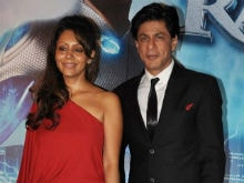 On 24th Anniversary, Shah Rukh Khan Thanks Gauri For Patience and Love