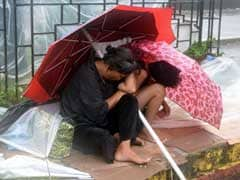 Thousands Flee as Typhoon Koppu Hits Northern Philippines