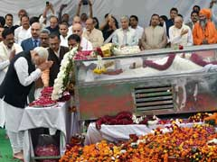 VHP Leader Ashok Singhal Cremated at Nigambodh Ghat