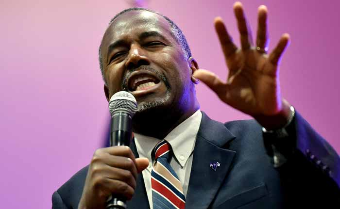 Republican Ben Carson's Campaign Manager, Other Aide Quit