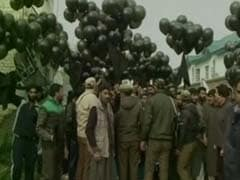 Ahead Of PM Modi's Rally In Srinagar, Black Balloon Protest Near Venue