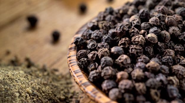 6 Amazing Black Pepper Benefits: More than Just a Spice