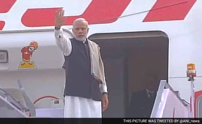 PM Modi Reaffirms Commitment to Environment, Leaves For Paris For Climate Summit