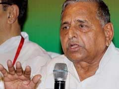 SP Chief Mulayam Singh Yadav Condoles Kamla Advani's Death