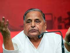 Government Must Talk to Aamir: Mulayam Singh Yadav