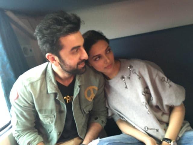 Deepika Ranbir Train