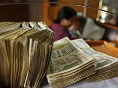 Rupee Gains Strength, Opens Higher at 67.80/Dollar