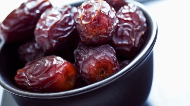 10 Dates Benefits: From Improving Bone Health to Promoting Beautiful Skin
