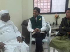 AAP Leaders Brief Anna Hazare on Janlokpal Bill Tabled in Delhi