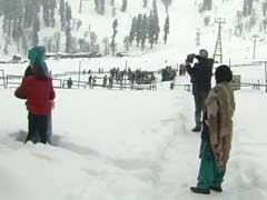 Gulmarg Prepares For Christmas And Snow Carnival