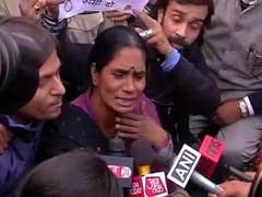 निर्भया केस : नाबालिग दोषी को रिहा किया गया, इंडिया गेट पर जुटे प्रदर्शनकारियों को हटाया गया
