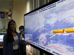 Typhoon Threatens Central Philippines, 750,000 Evacuated