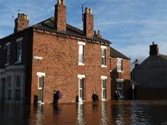 Britain Deploys Army to Rescue Storm Desmond Flood Victims