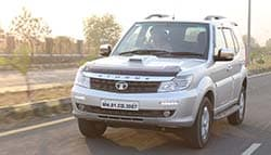Tata Safari Storme Replaces Old Favourite Gypsy As The Indian Army Workhorse
