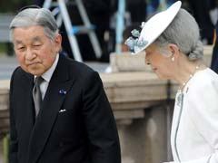 Japan's Emperor Akihito Visits Philippine World War II Cemetery