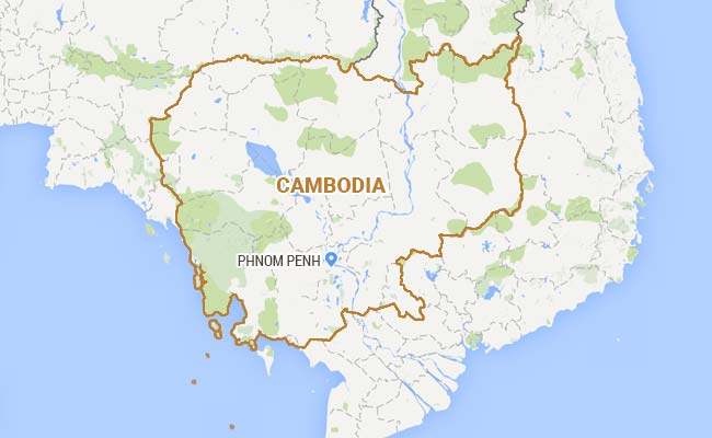 5 Cambodian Garment Workers Killed in Truck Crash, Scores More Injured