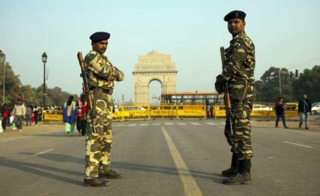 आतंकी हमलों की आशंका के मद्देनजर दिल्ली में चप्पे-चप्पे पर कड़ी सुरक्षा