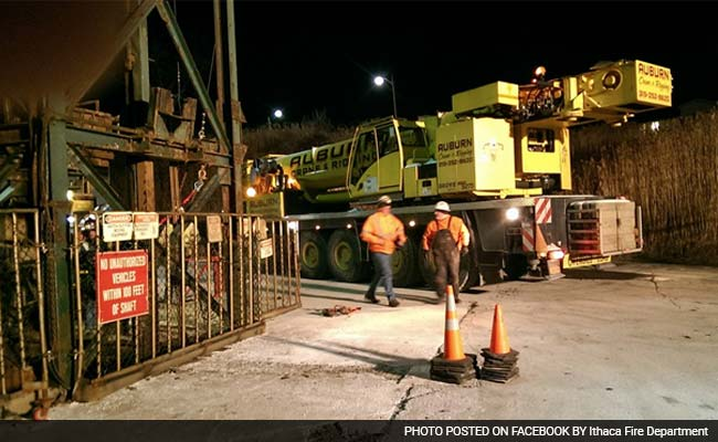 4 Rescued After Elevator Mishap Traps 17 New York Mine Workers